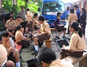 Anak Smp1 pada bawa laptop semua nyobain Wifi MCAP
